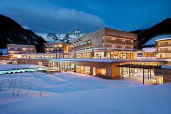 BRW_Hotel_Winter_Abend