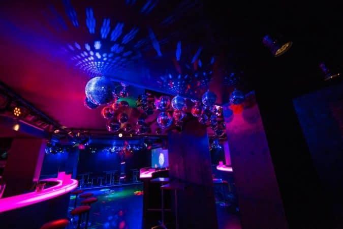 Bolena Bar Decke