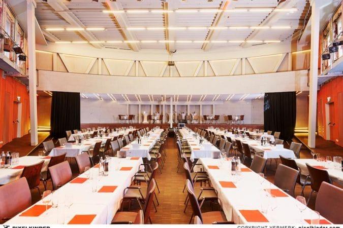 Centra Linz - Saal Tischreihen