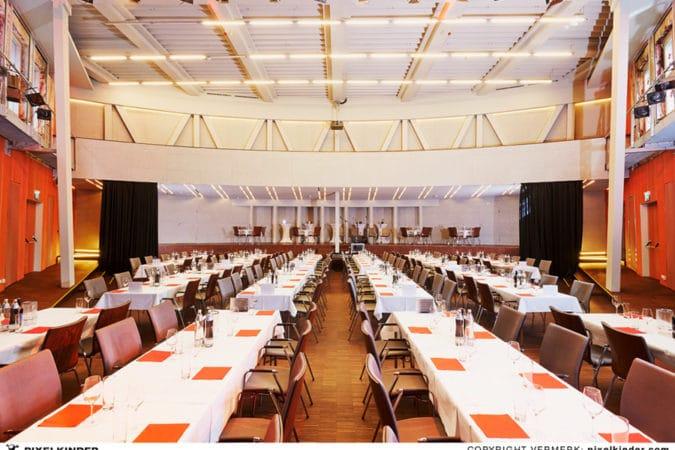 Central Linz - Saal Tischreihen
