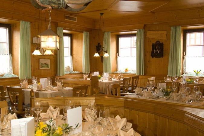 Faulenzerhotel gedeckter Tisch