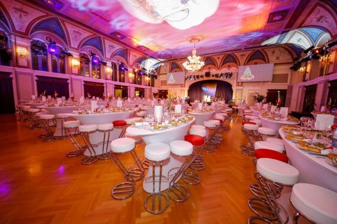Festsaal ovale Stehtische 1