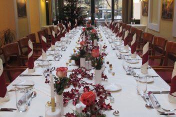 Grand Hotel Bidermeier gedeckter Tisch