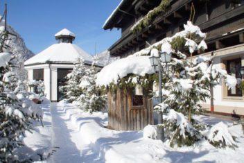 Gut Brandlhof - Winterlicher Zugang