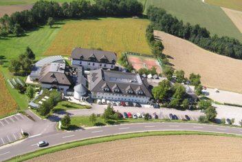 Landhotel Schicklberg Flugansicht