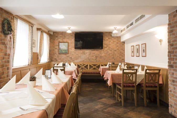 Landhotel Schicklberg gedeckter Tisch