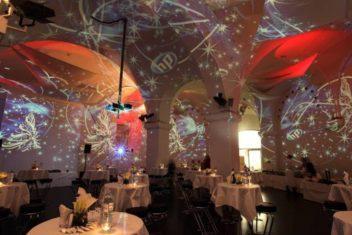 MQ Ovalhalle Weihnachtsfeier HP Foto und Visuals Lichttapete
