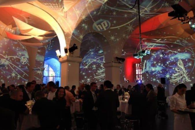 MQ Ovalhalle Weihnachtsfeier HP Foto und Visuals von Lichttapete