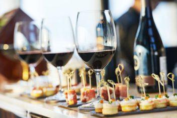 Restaurant Albatros_Wein mit Snacks