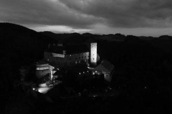 Schloss Krumbach_Schloss s_w
