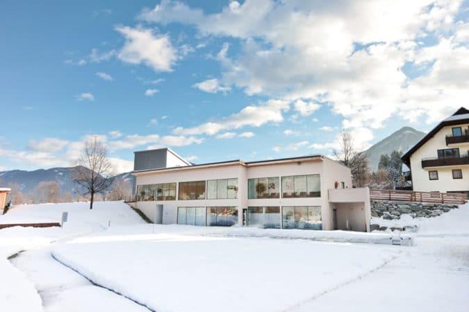 wahaha-paradise-winter-von-aussen