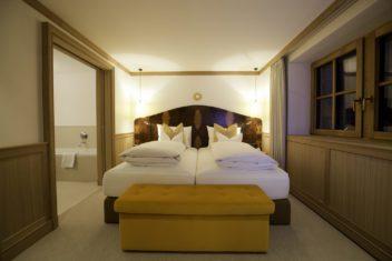 gold schlafzimmer
