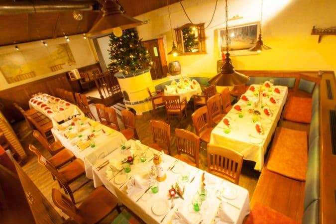 kolarik_weihnachtsfeier_tische
