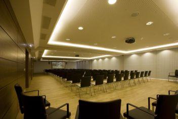 Konferenzraum voll