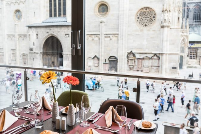 Lunch at Cafe Giacomo Aragall 1125x750