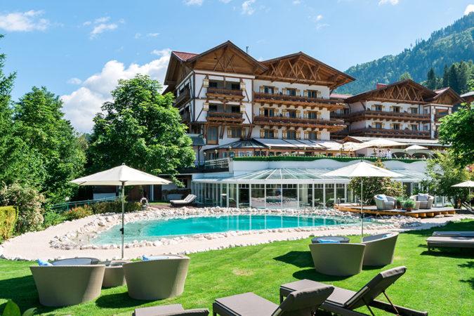 Sommer Außenansicht Hotel Oberforsthof