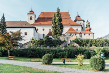 traunsee_181801_Kloster_fin_2500px_sRGB