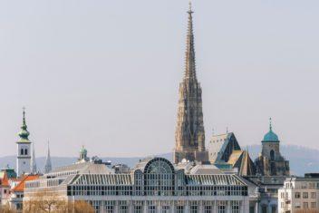 Vienna Marriott Hotel_facade daylight