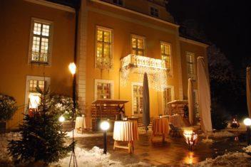 villa toscana empfang draussen